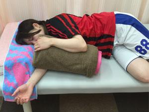 横向きで寝る場合の体勢